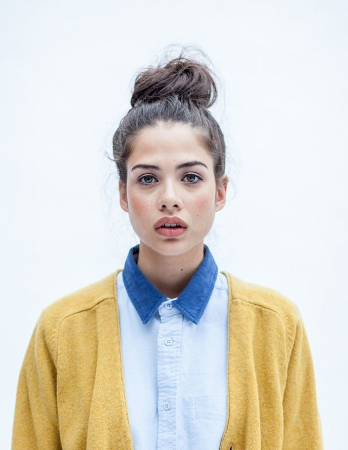 - - - -: Fashion Clothing, Style, Design Clothing, Messy Buns, Pretty Makeup, Yellow Cardigans, Natural Looks, Knot, Hair Buns