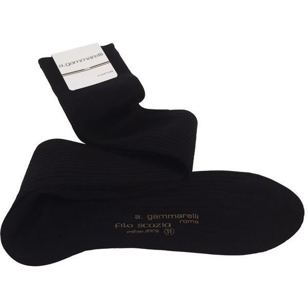 Chaussettes noires 100% fil d'écosse - Gammarelli - Chaussettes et... via Polyvore
