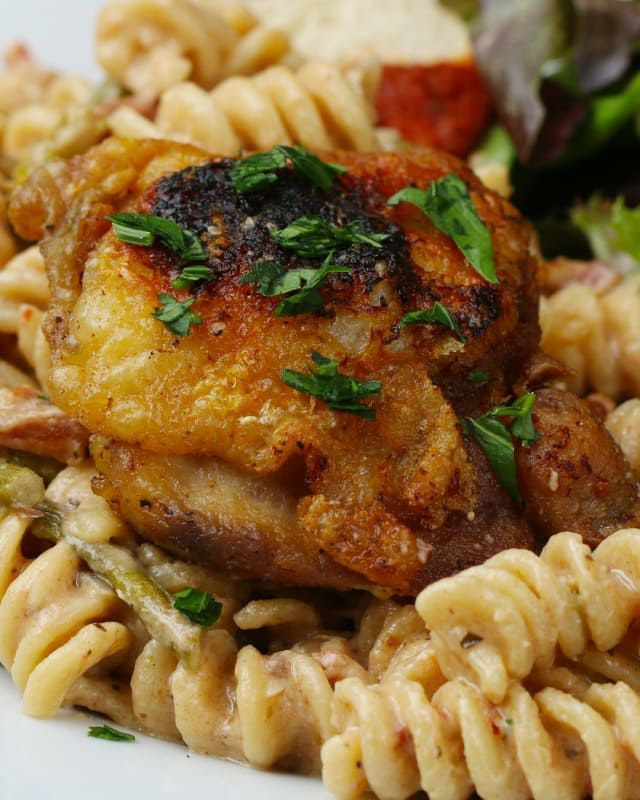 One-Pot Chicken, Bacon, and Goat Cheese Pasta