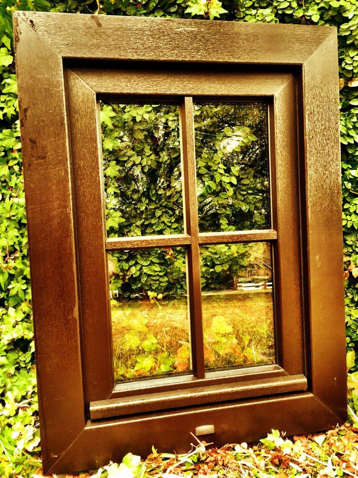 Ramen en deuren plaatst u best met pvc ramen.Ook voor uw deuren kiest u best voor PVC deuren.Deze ramen en deuren zorgen voor de beste isolatiewaarde - http://www.ramenvelle.be/product/pvc-ramen/
