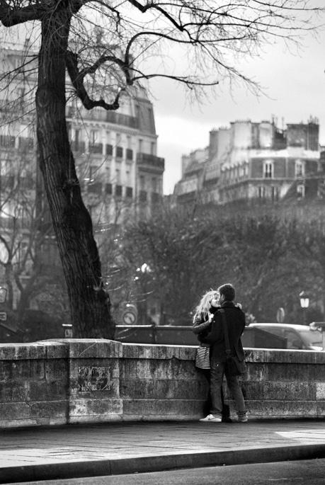 Auprès de notre arbre - Photo noir et blanc de Christophe Lecoq