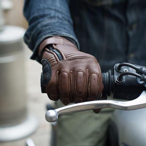 http://www.rolandsands.com/product/76/dezel-glove/tobacco