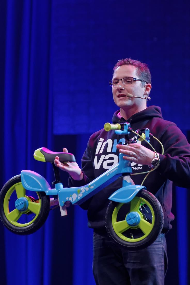 Bicicleta Woony- Frenos adaptados para los niños y los pedales se pueden poner y quitar facilitando el aprendizaje del niño.
