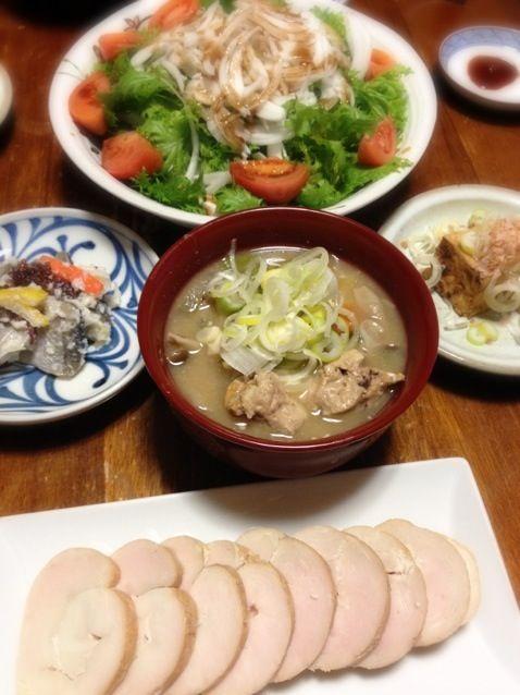 ハタハタ寿司は頂き物。(゜Д゜)ウマー - 15件のもぐもぐ - 鶏ハム燻製、ハタハタ寿司、じゃっぱ汁、焼き厚揚げ、ワサビ菜サラダ by raku0dar