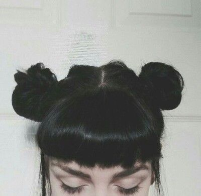 I wish I could pull this off but could never do bangs.( trust me i've tried)