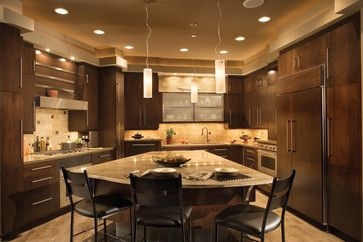 91cd6ecdd11ce9c476f4eb71e3d712ca  cherry cabinets dark cabinets