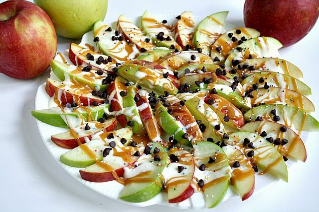 Butter, with a side of Bread // Easy family recipes and reviews.: CARAMEL APPLE NACHOS via Baking and cooking onto Fall