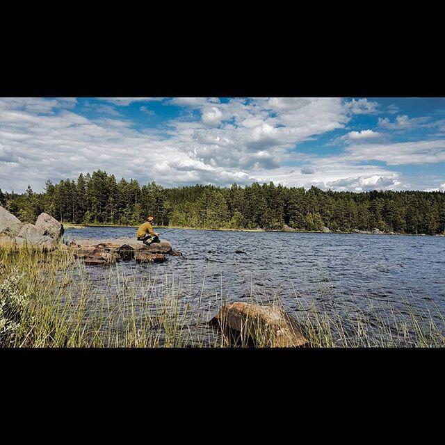 I dag har vi brukt mange timer på jakt etter ørreten.  Men hvor i svarte ... er den 😣  I morgen er en ny dag 😃 nytt fiskevann og nye muligheter 🤗 #utinaturen #vilmarksliv #mittfriluftsliv #jaktfiskeogfriluftsliv #ig_naturelovers #ig_naturephoto #ig_scandndinavia #hiking #roundtheworld #fishing #hiking #norwegianwilderness #fisketur #beautifulnorway #visitnorway #mittnorge #2vær #bns_nature #enjoytheoutdoor #whatgetsyououtdoor