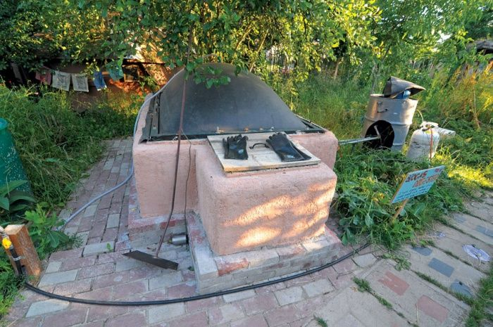 There are no technical reasons why Homesteaders are not using biogas for cooking energy and some light electric. Biogas generators are able to produce natural gas by transforming grass clippings,…