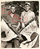 WWII PHOTO 8X10 USCG SAILORS CAPTURE JAPANESE FLAG PHILIPPINES LOOK