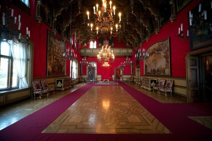 interno trieste | Il Castello di Miramare: gli esterni e i sontuosi interni