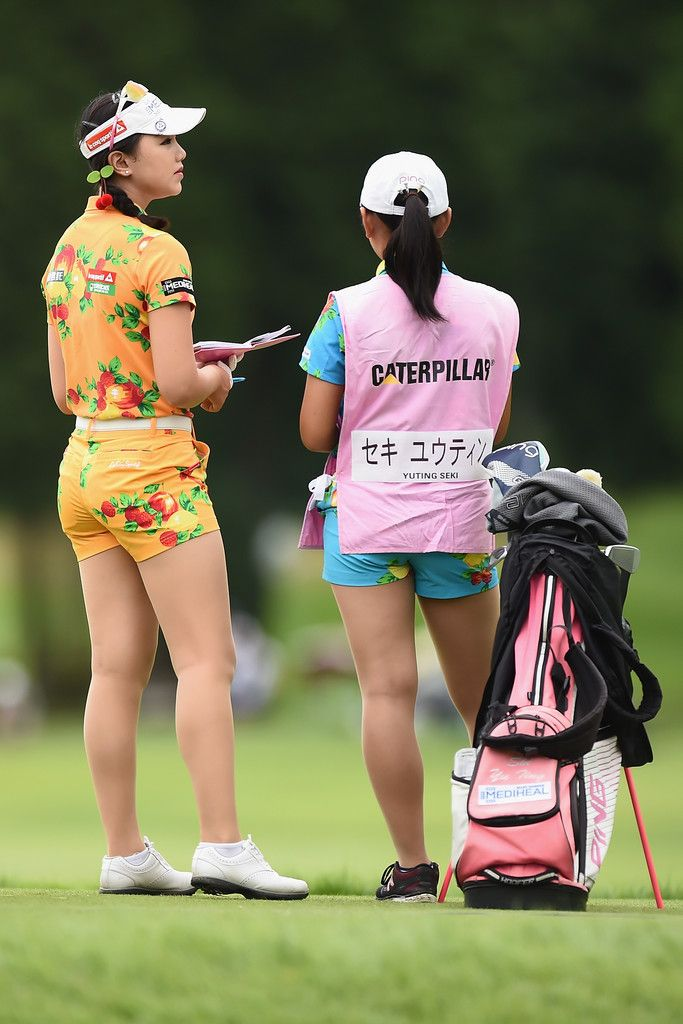 Yuting Seki Photos - Yuting Seki of China looks on during the final round of the CAT Ladies Golf Tournament HAKONE JAPAN 2017 at the Daihakone Country Club on August 20, 2017 in Hakone, Kanagawa, Japan. - CAT Ladies - Final Round