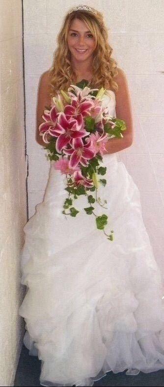 casablanca bridal wedding dress pre owned custom designer wedding gown
