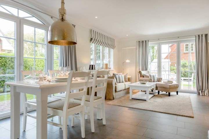 Landhaus hooge in westerland mit kamin terrasse und for Franzosische landhauskuche