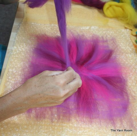 How to tutorial for wet felted flowers | Wet Felted Flowers - DIY