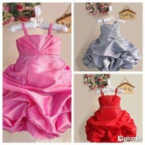 READY STOCK KIDS DRESS KODE : BALLOON DRESS (1-5thn) PRICE : Rp.250.000,- AVAILABLE SIZE  (Lebar Dada, Panjang Dress) : - Size 0 (20cm, 46cm) - Size 1 (22cm, 53cm) - Size 2 (23cm, 60cm) - Size 3 (25cm, 62cm) - Size 4 (26cm, 64cm) MATERIAL : SATIN dgn swarovsky pada bagian dada dan rok yg mekar seperti balon. Sangat Mewah dan Elegan utk sang buah hati (^_^) FOR ORDER : SMS/Whatsapp 087777111986 PIN BB 766a6420
