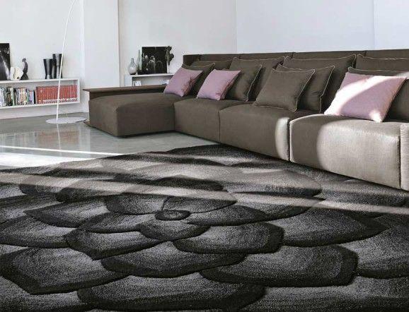 VALENTINO rug