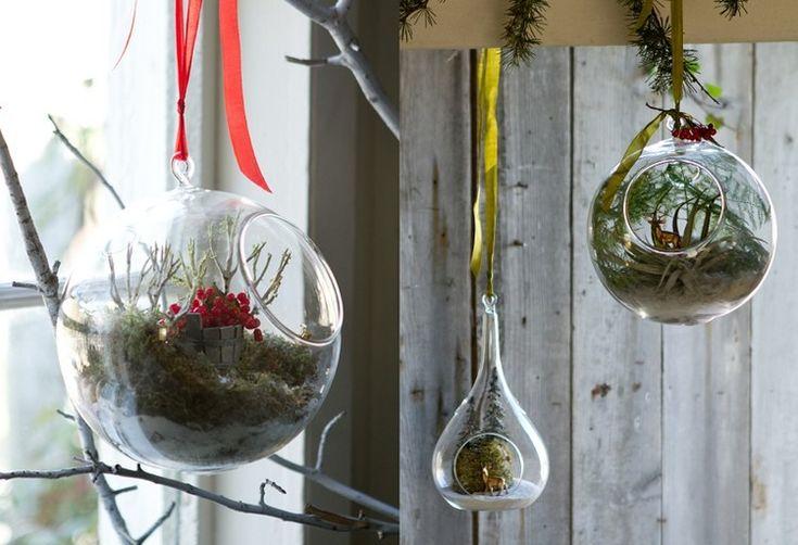 boules de no l en verre suspendre avec plantes a riennes et d corations no l pinterest posts. Black Bedroom Furniture Sets. Home Design Ideas