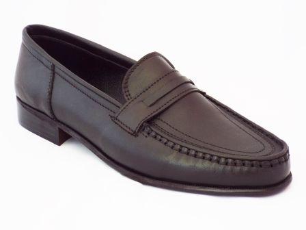 Pantofi barbati Nely negri din piele naturala la pretul de 95 RON. Comanda Pantofi barbati Nely negri din piele naturala de la Biashoes!