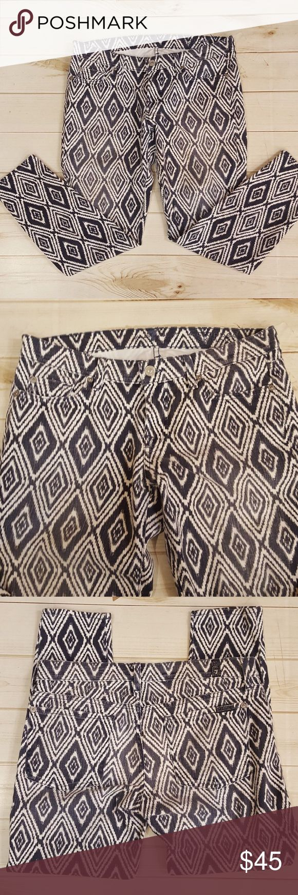 7 for all mankind women's pants! Size 29. Fun printed skinny jeans! Light navy and white! Good condition. (P223) 7 For All Mankind Jeans Skinny