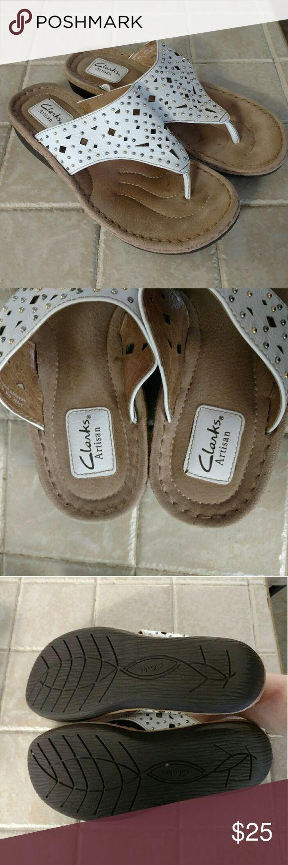 Clarks White Flip Flops Like new. Clarks Shoes Sandals
