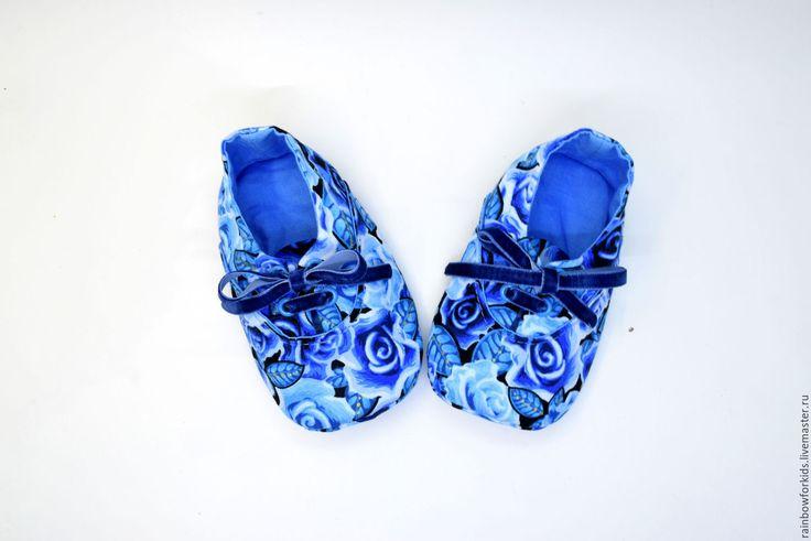 """Купить Модики для девочек """"Синие розы"""" - тёмно-синий, цветочный, модики, пинетки для новорожденных"""
