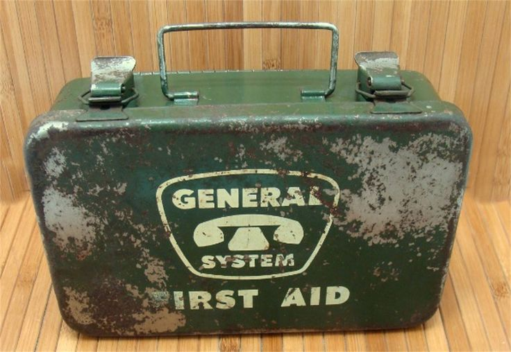 Old metal box-industrial steel box-old first aid box-telephone first aid box-general system first aid box-machine age box-old medical box- by BECKSRELICS on Etsy