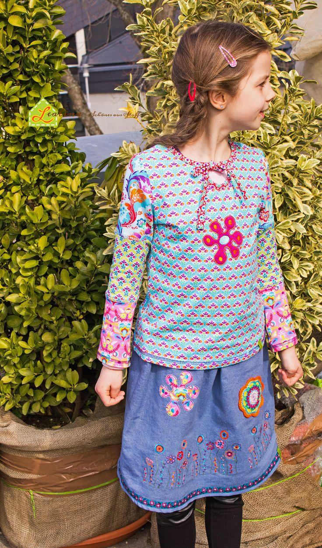 Bunte Frühlingskombi - Blumen-Patchwork-Shirt mit Blumenwiese-Jeansrock. Perfekt fürs ganze Jahr ! :-) #Nähenmachtglücklich #hedinäht #Swafing #Flora #Blumenwiese #sanna