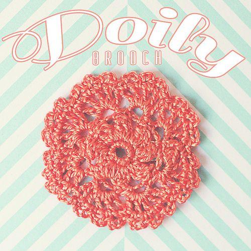 Crochet: doily brooch
