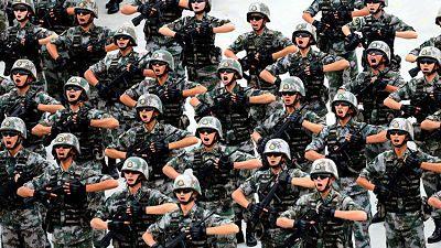 """Xi Jinping: """"China derrotará cualquier invasión"""" El mandatario chino advierte a quienes interfieran en los intereses de Pekín en un discurso pronunciado con motivo del 90.º aniversario del Ejército Popular de Liberación."""