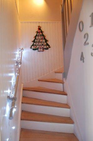 Escalier blanc-bois-gris