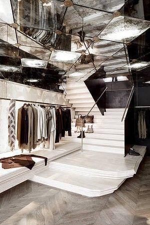 Damir Doma store, Paris, designed by Architect Rodney Eggleston of March studio espacio reflejo espejo techo local