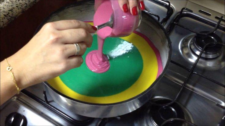 Bolo colorido (bolo arco-íris) - Por Carla Marins -  /  Colorful cake (rainbow cake) - by Carla Marins -