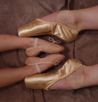 Ballet Feet by cassandra-de-piscis.deviantart.com on @deviantART