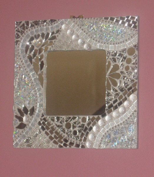 mosaic mirror. LARGER SIZE :Pinned for Julia Ann. Perfect for her bathroom.