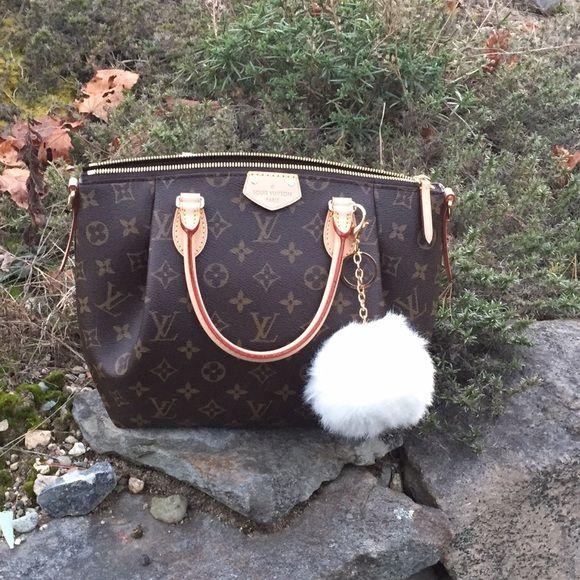 Louis Vuitton turenne pm Brand new, only flaw shown. Comes with dust bag and tags. Made last week! Date code SD5125. Can do ️️ Louis Vuitton Bags Satchels