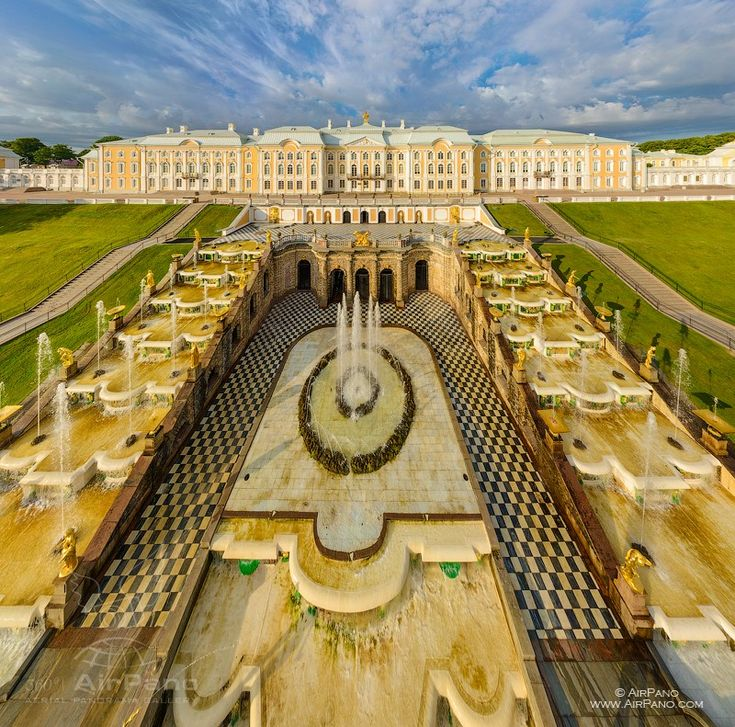 Большой Петергофский дворец и Большой каскад