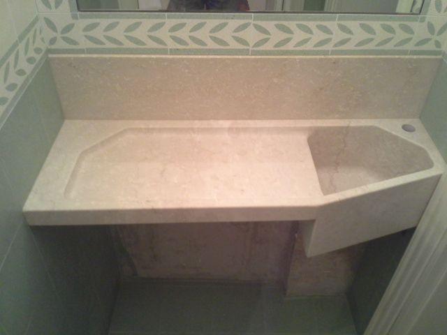Lavabo ad uso anche lavatoio ( con spazio inferiore per Lavatrice ) reliazzato dal massello di Pietra Botticino - / - Realizzazione Blancomarmo.it /arredi realizzati da Oggetti.it / design by LauroGhedini.com