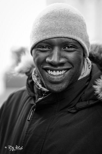 """Omar Sy (""""Untouchables"""") French actor and humorist Omar Sy, né le 20 janvier 1978 à Trappes, est un acteur et humoriste français. Il accède à la notoriété en formant, avec Fred Testot, le duo comique Omar et Fred. Wikipédia Naissance : 20 janvier 1978 (37 ans), Trappes Taille : 1,90 m Épouse : Hélène Sy (m. 2007) Enfants : Alhadji Sy, Tidiane Sy Prochain film : Inferno"""