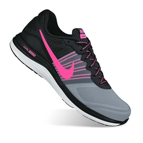 Lightweight and comfortable, these women's Nike Dual Fusion Xrunning shoes let you focus on your run. In gray/coral blue.