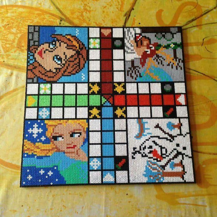 Frozen Ludo/Parcheesi game hama perler beads by Ditte Marie and mortenlundemann - Figures: https://www.pinterest.com/pin/374291419010382258/