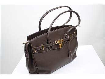 Handväska, brun, Mario Rossini.  Simplet säljer dina väskor åt dig på nätet!
