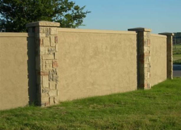 Stucco Fence And Stone Columns In 2019 Concrete Fence