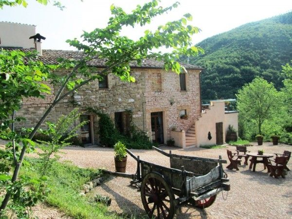 Agriturismo for sale Le Marche Italy. Occupancy 80! Nice yield.