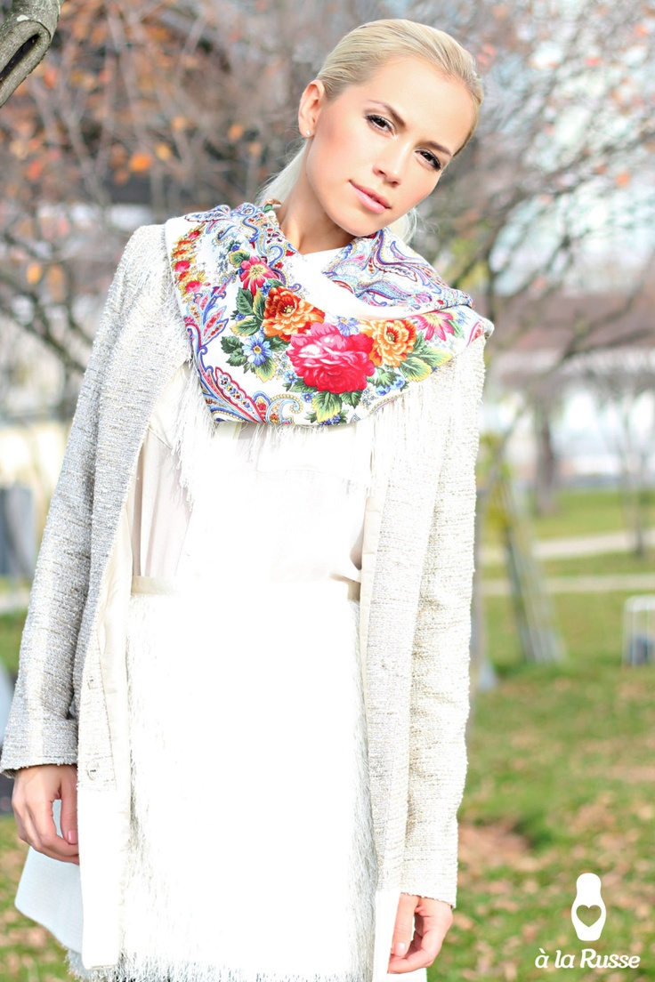 floral print Russian shawl A LA RUSSE scarf Trendy and luxurious