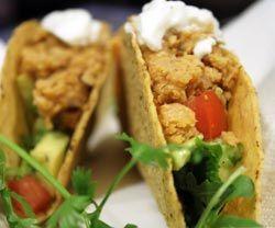 Tacos med kikærtesalsa opskrift