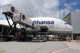 Beladung eines Airbus A380 in Frankfurt