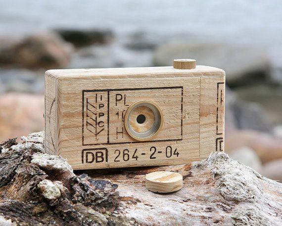 Pallet wood pinhole camera, medium format, 120 film, format 6x6