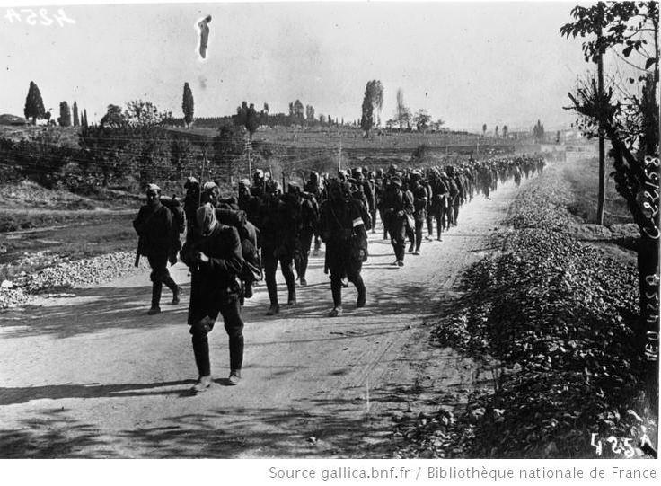 Greek_soldiers_retreat,_1922.jpeg (737×542)