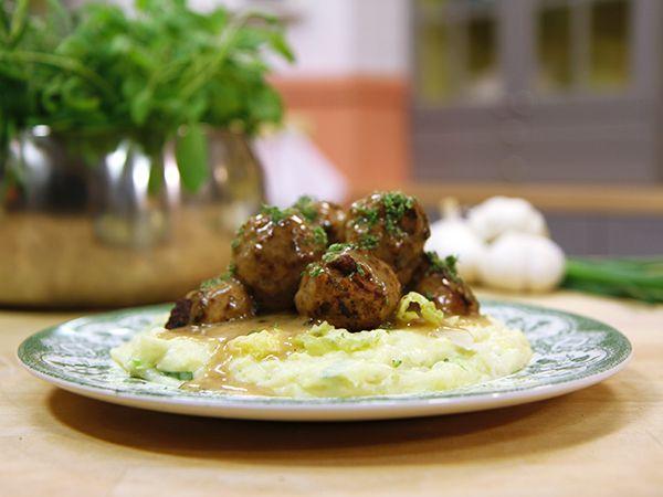 Lammköttbullar med irländskt potatis- och kålmos | Recept.nu